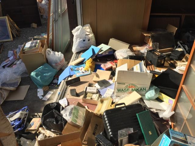 部屋のゴミ